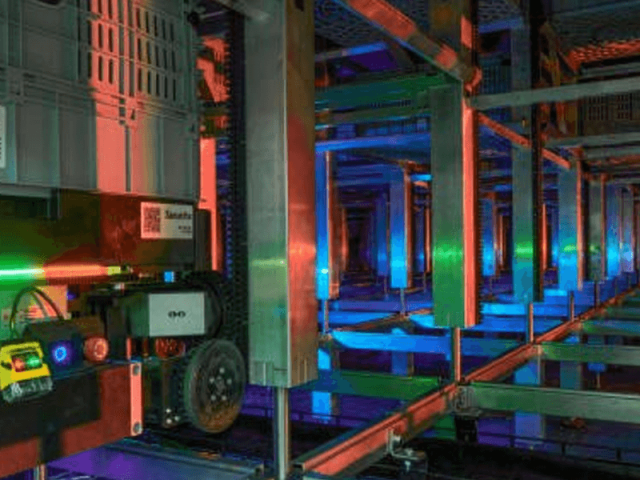 Como a Nordstrom revolucionou sua logística com robôs e prateleiras inspiradas em formigas